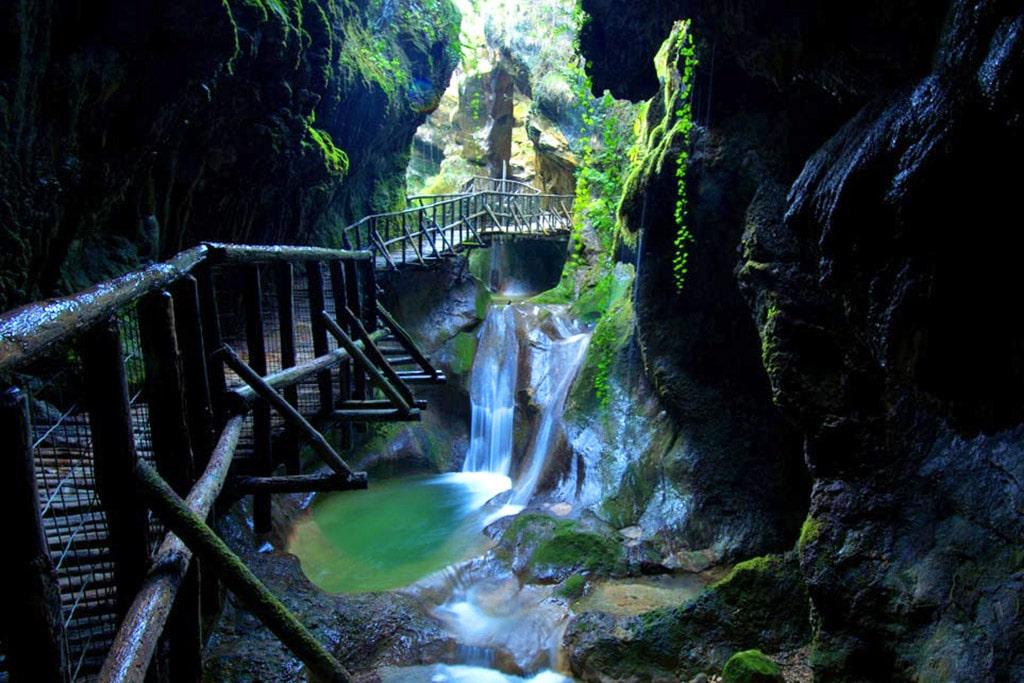 Fotografia delle Grotte del Caglieron